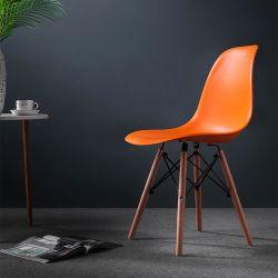 Import Fancy modern White Wooden Legs Diner Plastic stoel in China EAM PP Shell Dinning Kitchen Plastic Dining Chair for Verkoop