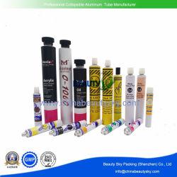 Artista pintura a óleo com pigmento de cor alumínio vazias do tubo de embalagem colapsável