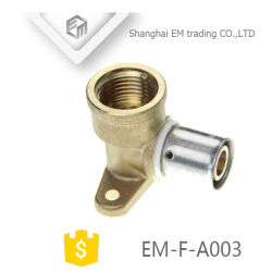Hot Sale du raccord de tuyau en laiton avec raccord coudé femelle Wall-Plated (EM-F-A003)