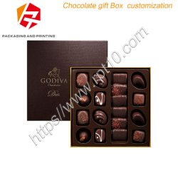 Documento nero del Matt con il contenitore di regalo verde del cioccolato della stagnola