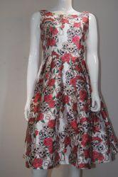 2020 Le linge de maison avec fleur Patten accepter personnaliser robe fashion femmes