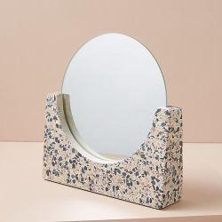 Dormitorio Cuarto de baño maquillaje cosméticos decorativos cuadro espejo con la base de terrazo