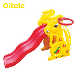 ベビーウサギスライドプラスチックおもちゃ(バスケットボールスタンド付き)( PT-033 )