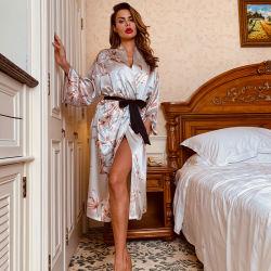 سيلك كارديجان متوسط الطول النساء العرائس الجنس برنس حمام النساء S كوابيس حريرية طويلة الأمد مطبوعة