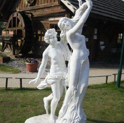 アポロ有名な大理石の石造りの切り分ける彫像