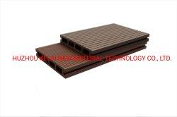 WPC compuesto de plástico hueco de madera cubiertas de azulejos Revestimientos de WPC pisos de madera de uso al aire libre
