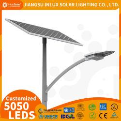 安く長い寿命CE/IEC/RoHSはLiFePO4電池OEM 5050 LEDチップパテントデザインの屋外の太陽動力を与えられた街灯を証明した