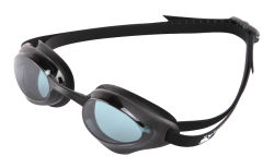 Professionista che corre i vetri antinebbia di nuotata degli occhiali di protezione di sicurezza di nuoto