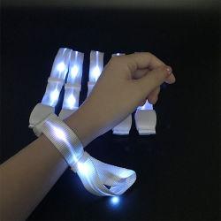 Bracelete LED piscar pulseiras banda bracelete de incandescência acender decoração de terceiros