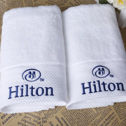 贅沢で速い乾燥がスポーツタオルを刺繍したブティックは100%年の綿をセットした