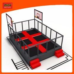 Il piccolo trampolino dei capretti ha impostato con pallacanestro