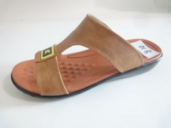 Le pantofole del cliente Arabo maschile utilizzano il materiale PU a tempo libero Occasioni