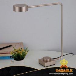 Hôtel moderne populaire lampe de bureau à LED de lecture de l'aluminium (KAT8260)
