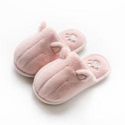 2020 Nuevo diseño de la mujer al por mayor sandalias zapatillas Zapatos de felpa suave caliente Zapatilla de interior de piel al aire libre diapositivas sandalias sandalias de hombre