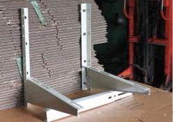 Divida o condicionador de ar do suporte de montagem