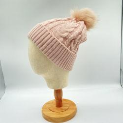 겨울철 따뜻한 도매 핑크 수갑이 짜여진 포 모피 자카드(Jacquard)가 짜여져 있었다 비니 캣츠(Beanie Hats with POM POM)