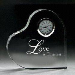 Verre en cristal de bureau en forme de coeur Trophy Award avec horloge