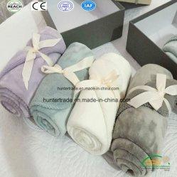 女の赤ちゃんおよび男の子のための珊瑚の羊毛の赤ん坊毛布