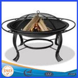 Legno che brucia la ciotola di fuoco esterna del carbone di legna del cortile
