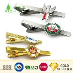 Les fabricants logo personnalisé de luxe à bas prix Silver hommes Boutons de manchette cravate bar Set Mode gros vide Laiton doré en alliage de zinc métal magnétique de bus de l'avion cravate