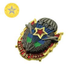 Laiton Antique estampillé personnalisé de l'émail doux insigne métallique