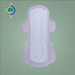 Image de marque OEM échantillon gratuit de couleur rose des serviettes hygiéniques avec quatre ailes