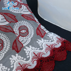 Blume Color Eyelet Embroidery auf Cotton Voile Fabric