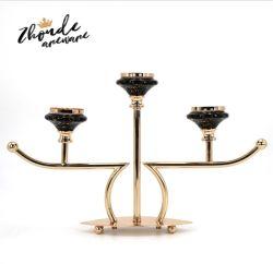 De moderne Houder die van de Kaars de Franse Zwarte drie-Wapen Ceramische HoofdTak Gevormde Kandelaar van de Basis galvaniseren