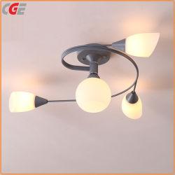 シャンデリア軽いLEDの簡単な現代寝室の天井灯のシャンデリアの現代吊り下げ式の軽いレストランのシャンデリアのシャンデリア