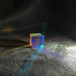Креста Dichroic сквозь призму объединения RGB или разветвитель X-Cube сквозь призму цветные стекла призмы