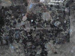 Pour les dalles de granit bleu Volga, des comptoirs de cuisine, à la taille de coupe