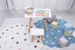 卸し売り木の子供表および椅子の子供の調査の机セット