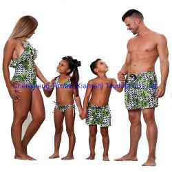 비키니 가족 일치 수영복이 수영 착용 널에 의하여 누전한다