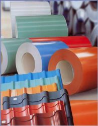 Diverse voorgelakte spoelen van gegalvaniseerd staal met kleurcoating