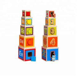I giocattoli d'impilamento di legno dei capretti, blocchi di legno che impilano i giocattoli, intelletto di legno di per la matematica ostruisce i giocattoli