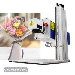 30W / 40W de CO2 Logo découpé au Laser Marking machine pour les invitations papier chiffon de tissu bambou