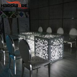 La parte superiore LED di vetro Tempered illumina in su la presidenza locativa della Tabella pranzante di cerimonia nuziale
