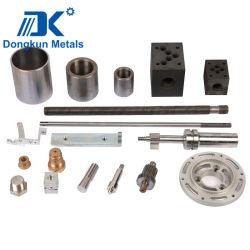 L'aluminium en laiton et acier inoxydable en attire d'usinage CNC