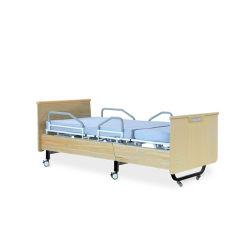 Le transfert du patient des soins à domicile fauteuil lit médical de rotation réglable
