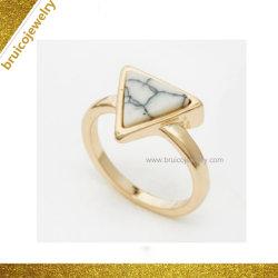 14K 금에 의하여 도금되는 원석 반지 보석 단단한 돌 보석 반지를 가진 형식 교차하는 은 반지