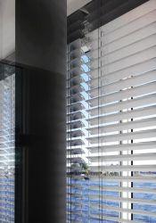 Автоматическая алюминий ролик затвора и жалюзи и закрывать окна и двери