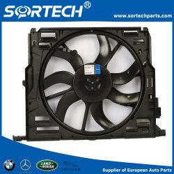 Auto Pièce de rechange ventilateur de refroidissement du radiateur avec le carénage des pièces de moteur 2035001693 600W pour W203 C209 Mercedes Benz