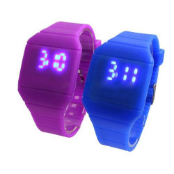 La Chine étanche Cadran carré numérique tactile Jelly Bracelet en silicone Sports LED montre-bracelet Fashion hommes Watch