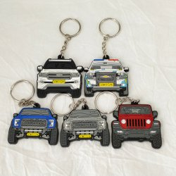 Matériau PVC personnalisé mode Kid Toy Go-Anywhere automobile Club Promotion cadeau caoutchouc logo voiture plastique porte-clés Décoration