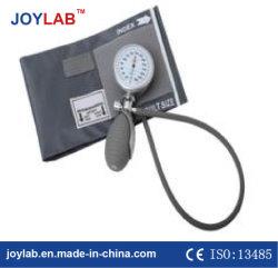 Unterschiedliche Größepalmenartiger aneroider Sphygmomanometer