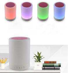 Tarjeta del TF del teléfono móvil mini altavoz Bluetooth RGB LED de luz lámpara de mesa