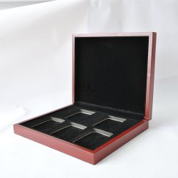 Luxe personnalisé carré en bois et l'intérieur de finition matte troupeau bijoux collier de stockage Emballage cadeau