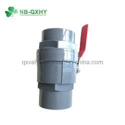 Ficha cinzenta de duas peças da válvula de esfera de 2 PCS de PVC com pega de aço Agricultura