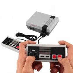 2020の最もよい品質小型TVのゲームコンソール8bitレトロのビデオゲームコンソール組み込み620の標準的なゲームの手持ち型の賭博プレーヤーの最もよいギフト