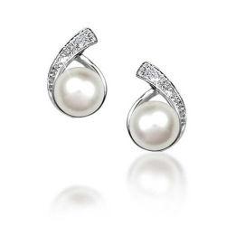 CZは淡水の真珠の花嫁の925の銀製のスタッドのイヤリングの宝石類にボタンをかける